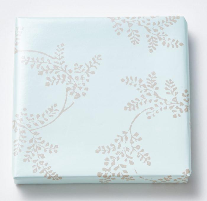 カタログギフト MUSUBI カード 包装紙:シノブ